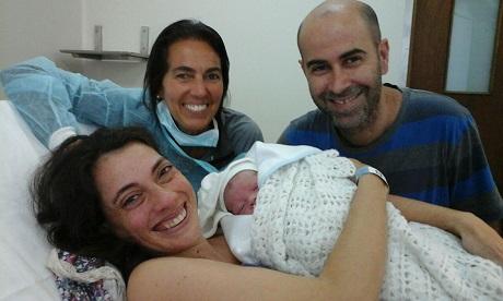 Con Yesika y Sebastián en el nacimiento de Lorenzo