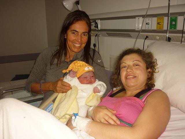 Junto a Vanesa Busto en el nacimiento de Emma
