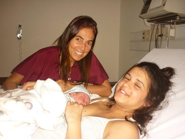 Junto a Maira Hernandez en el nacimiento de Mateo